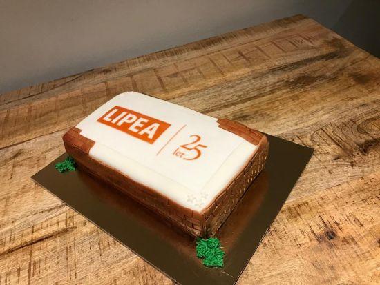LIPEA - oslava 25. výročí/ dort s logem