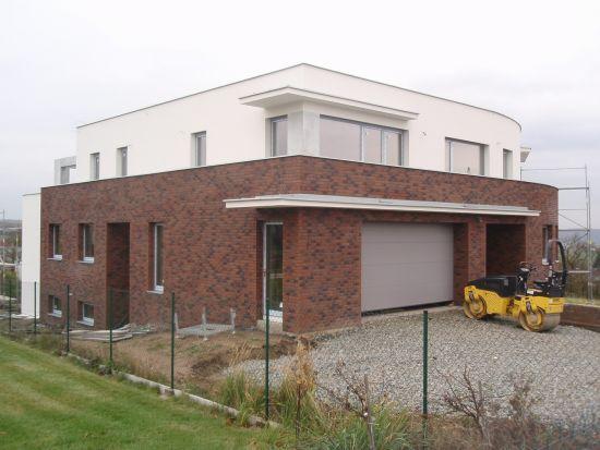 LIPEA - ukázka RD/ obkladový pásek Feldhaus Klinker R 685 sintra ardor nelino/www.lipea.cz