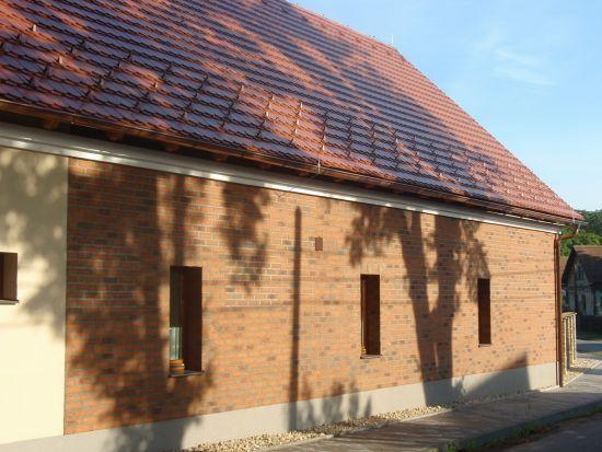 LIPEA - ukázka RD/ obkladový pásek Feldhaus Klinker R 687 sintra terracotta linguro /www.lipea.cz