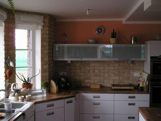 LIPEA - ukázka interiérů z cihlových pásků/ lícová cihla FB 1210 030 Rose wit/www.lipea.cz