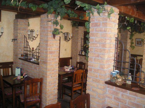 LIPEA - ukázka interiérů z cihlových pásků/ lícová cihla FB 1208 030 GD/www.lipea.cz