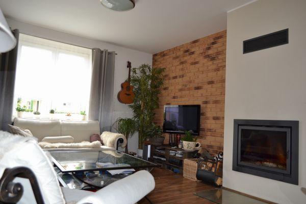 LIPEA - ukázka interiérů z cihlových pásků/ obkladový pásek Feldhaus Klinker R 695 sintra sabioso ocasa/www.lipea.cz