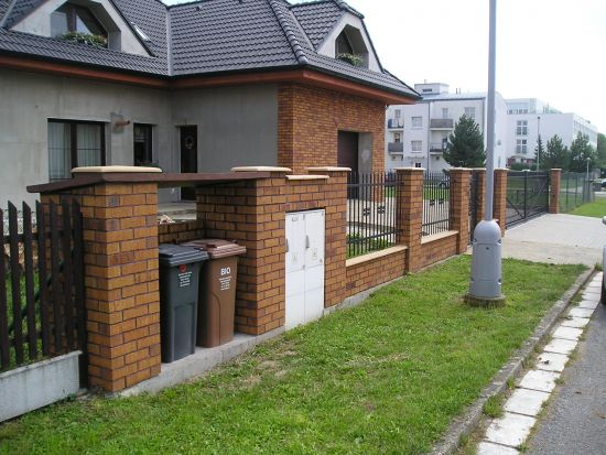 LIPEA - ukázka plotu/reference ploty/lícová cihla K 684 sintra nolani ocasa/www.lipea.cz