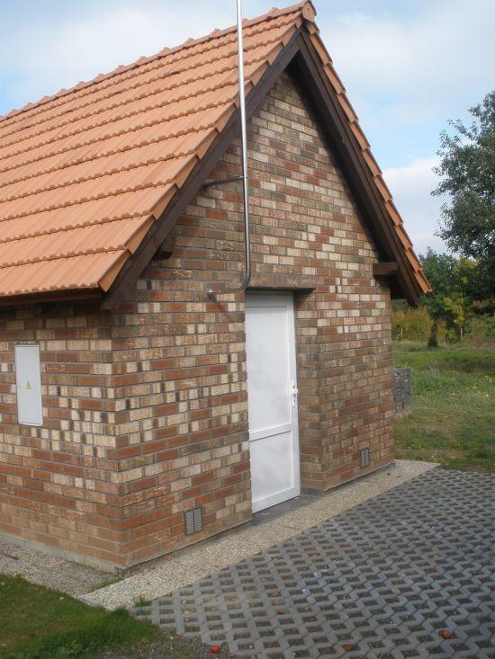 Vodojem Mukařov_lícová cihla K 690 sintra ardor blanca/reference z pálených cihel/fasáda z lícových cihel/lícové zdivo/www.lipea.cz