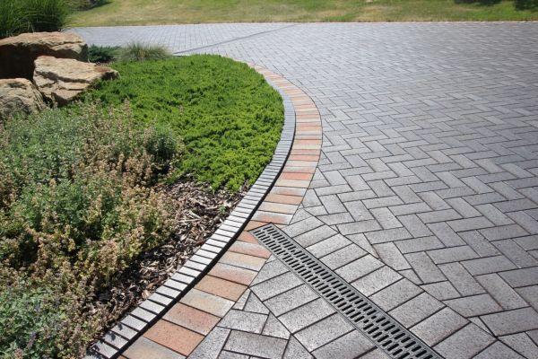 LIPEA - cihlová dlažba P 609 umbra ferrum/ cihelná dlažba na zahradu, náměstí, parkoviště, do parků apod./ www.lipea.cz