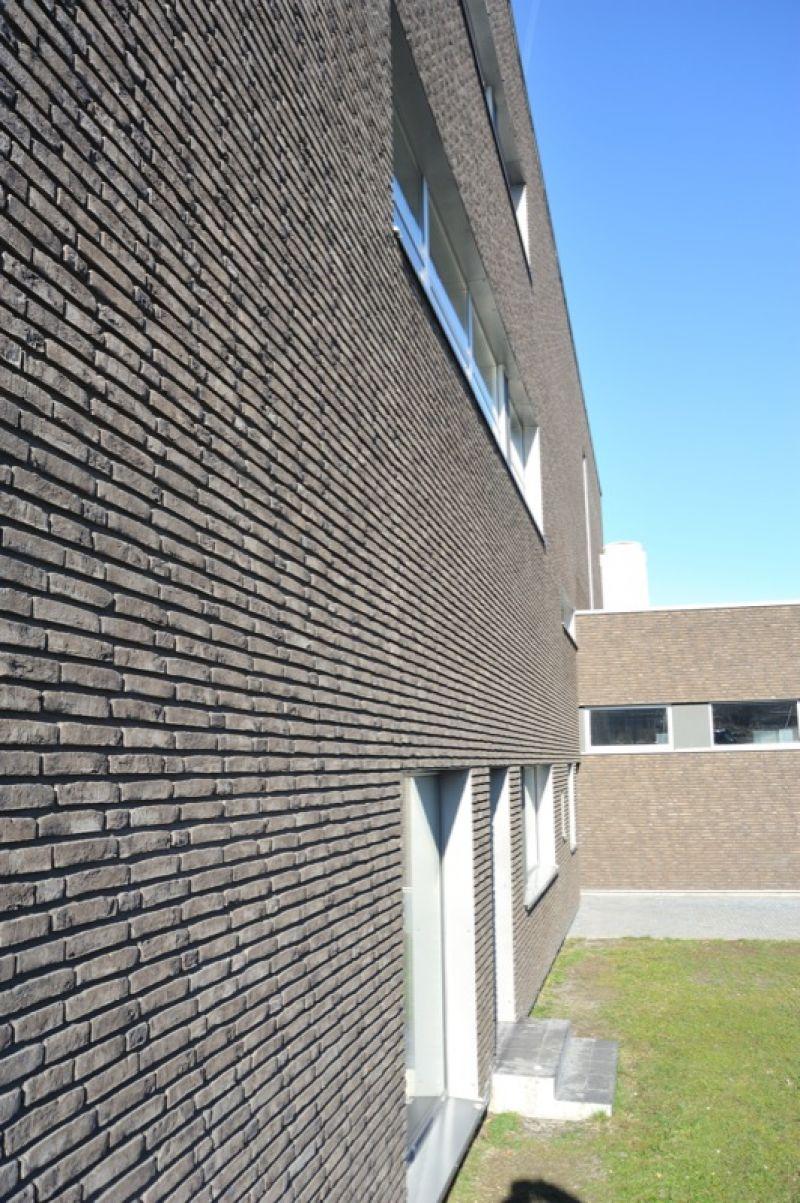 Lícová cihla FB 1130 030 Umber CRH Clay Solutions/ CTP Humpolec/reference lícové cihly/ reference z cihliček/ cihlová fasáda/venkovní fasáda/moderní fasáda/ozdobné cihly/www.lipea.cz/ LIPEA, s.r.o.