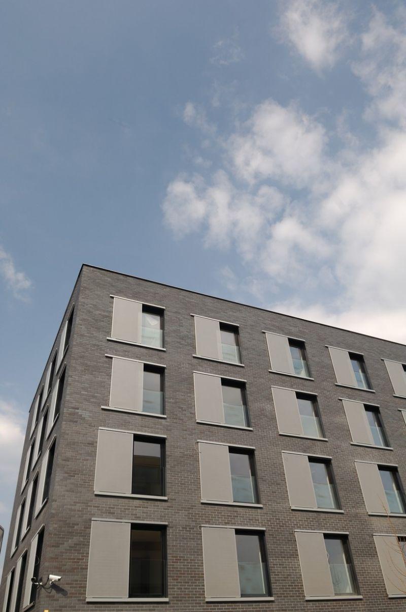 Lícová cihla Potsdam CRH Clay Solutions/ Obytný soubor Na Krutci, Praha/reference lícové cihly/ reference z cihliček/ cihlová fasáda/venkovní fasáda/moderní fasáda/ozdobné cihly/lícové zdivo/www.lipea.cz/ LIPEA