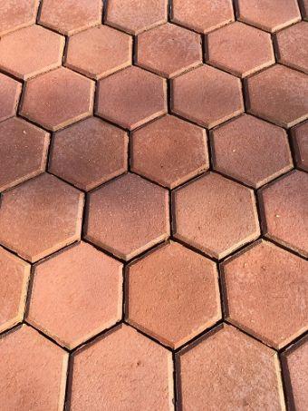 RUBÍN - hexagon kameninová dlažba - tl. 3cm